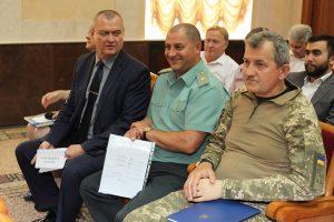 Помазан С., Белеков Ю., Кондратюк В. на сессии облсовета